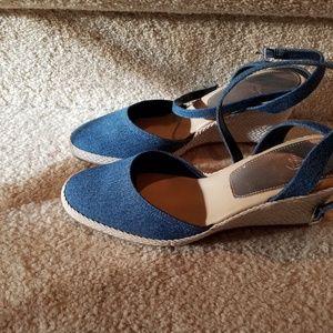 Stone wash fabric wedge shoes